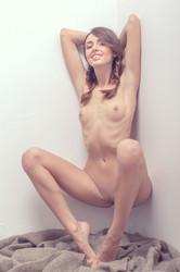 http://img56.imagetwist.com/th/05263/7s1iaj6jrmxp.jpg