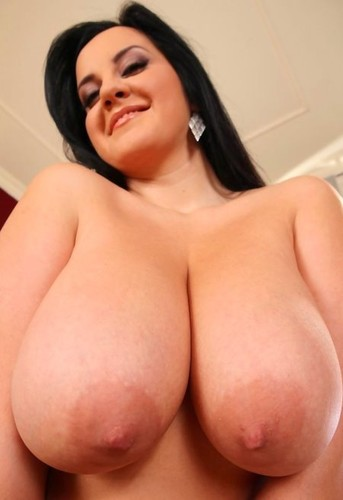 Girls with XXXXXL Breasts 40 pics - AcidCowcom