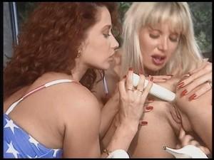 Erkia bella lesbian scene