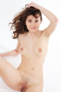 http://img56.imagetwist.com/th/05821/fjmg3lokmawh.jpg
