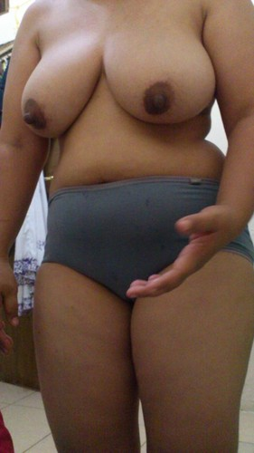 Chubby Malaysian Wife Showing Her Huge Sized Boobs