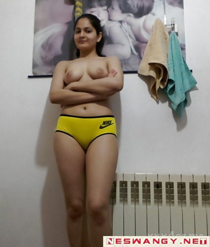 iranian girl showing boobs image